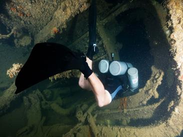 discovery island resort_wreck diving
