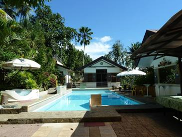 Davao eagle ridge resort - Apartelle in davao city with swimming pool ...