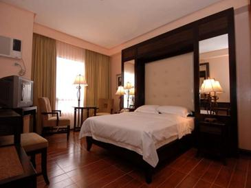 planta hotel bacolod_suite room2