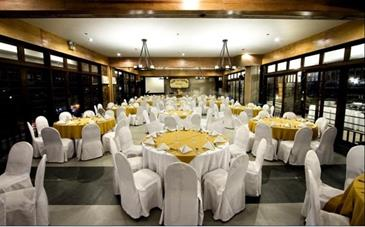 l fisher chalet_function room