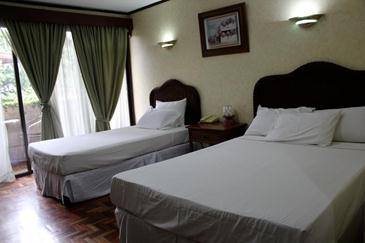 vacation hotel cebu_room