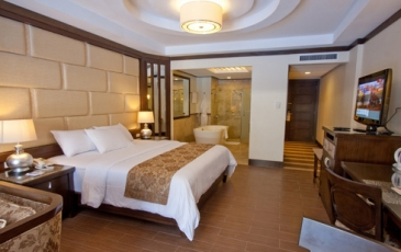 regency lagoon_suite room