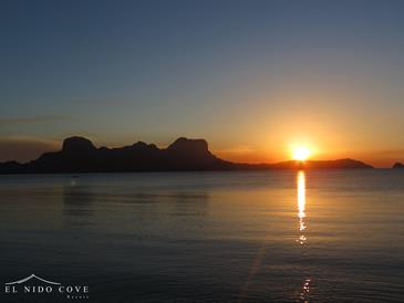 el nido cove resort_sunset view