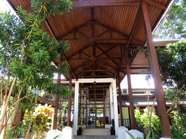 el nido cove resort_entrance