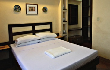"""laoag chat rooms Home » laoag » philippines » the creepy texicano hotel - laoag city friday  we were given a room on the  the driveway which gave him the """"chat."""
