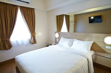 red planet hotel cebu_double room