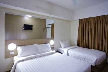 red planet hotel cagayan de oro - family room2
