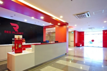 red planet hotel ortigas - lobby