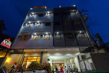 anri pension house cebu_night view