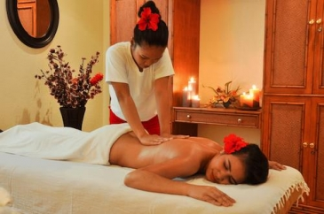 monaco suites de boracay_massage