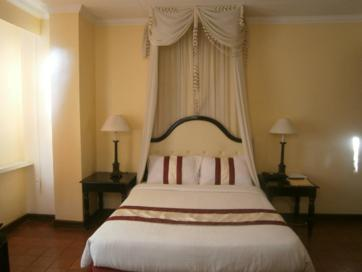 white knight hotel_guest room