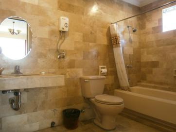 white knight hotel_bathroom