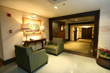crown regency makati_lobby