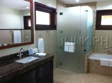 bohol beach club_bathroom