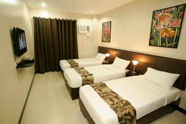 main hotel and suites cebu_triple room barkada