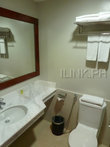 mj hotel cebu_bathroom