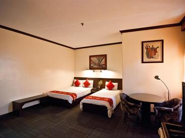 dynasty court hotel_room3